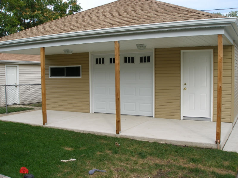 Custom garage style in Park Ridge