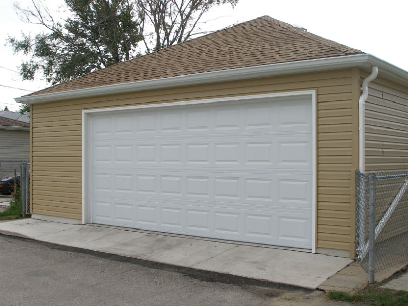 Custom garage style in Oaklawn